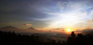 borobudur sunrise di bukit situmbu