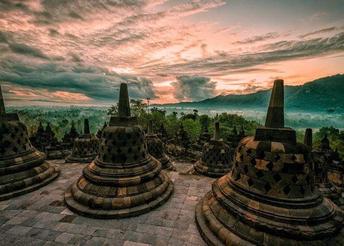 sunrise candi borobudur - 5 Tempat Terbaik Berburu Sunrise di Yogyakarta