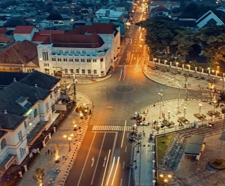 Titik Nol KM Jogja | Jogja Tour Spot Wisata Paling Ramai di Tengah Kota Yogyakarta